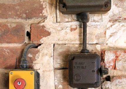Instalación eléctrica que necesita renovación