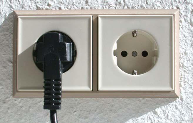 Electricistas Madrid te enseña cómo cambiar un enchufe